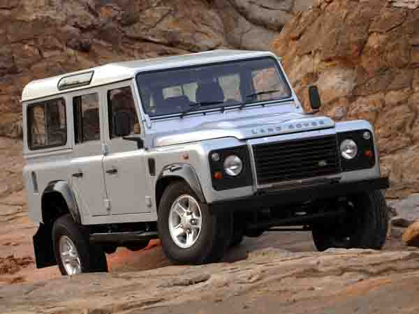 12 used land rover defender for sale in dubai uae. Black Bedroom Furniture Sets. Home Design Ideas